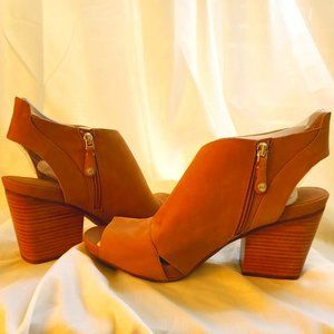 NEW Nurture Chunky Heels, Tan Leather, Size 12